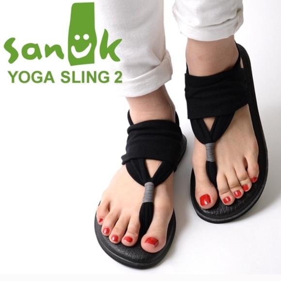 fece2a225f5 Sanuk Yoga Sling Sandals. M 5a5a443b50687cc5f8e3643e